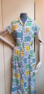 "Load image into Gallery viewer, ""1940s rayon"" Novelty print dress uk8"