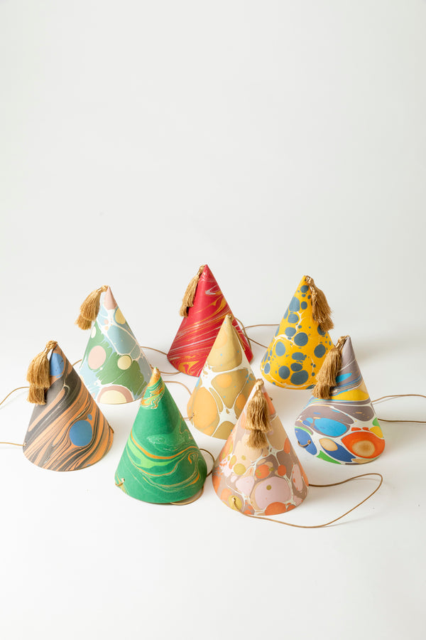 SET OF 8 MARBLED PARTY HATS
