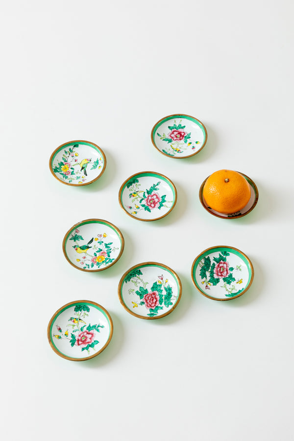 SET OF 8 VINTAGE SMALL ENAMEL DISHES