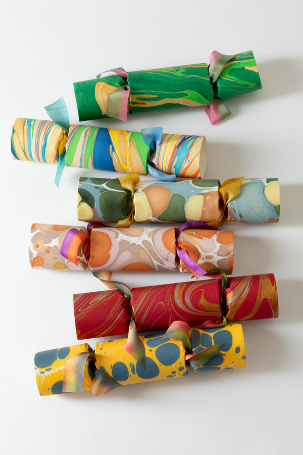 SET OF 6 MARBLED PARTY CRACKERS