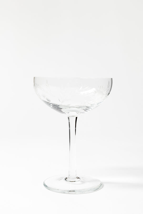 SET OF 8 VINTAGE DAISY ETCHED COUPES