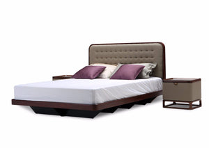 Chesapeake Queen Bed with Mattress