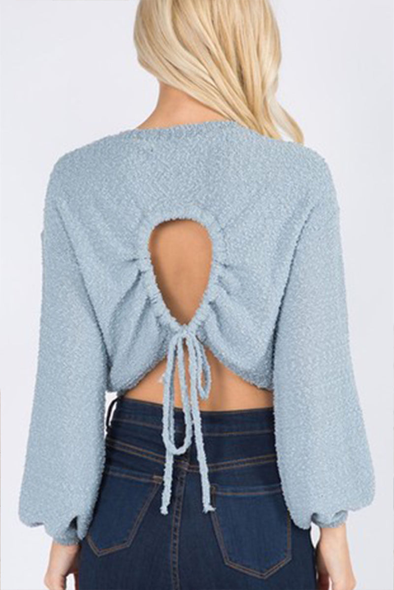 TIE-BACK LONG SLEEVE CROP TOP.