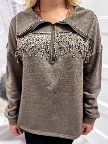 LACE TRIM PULLOVER