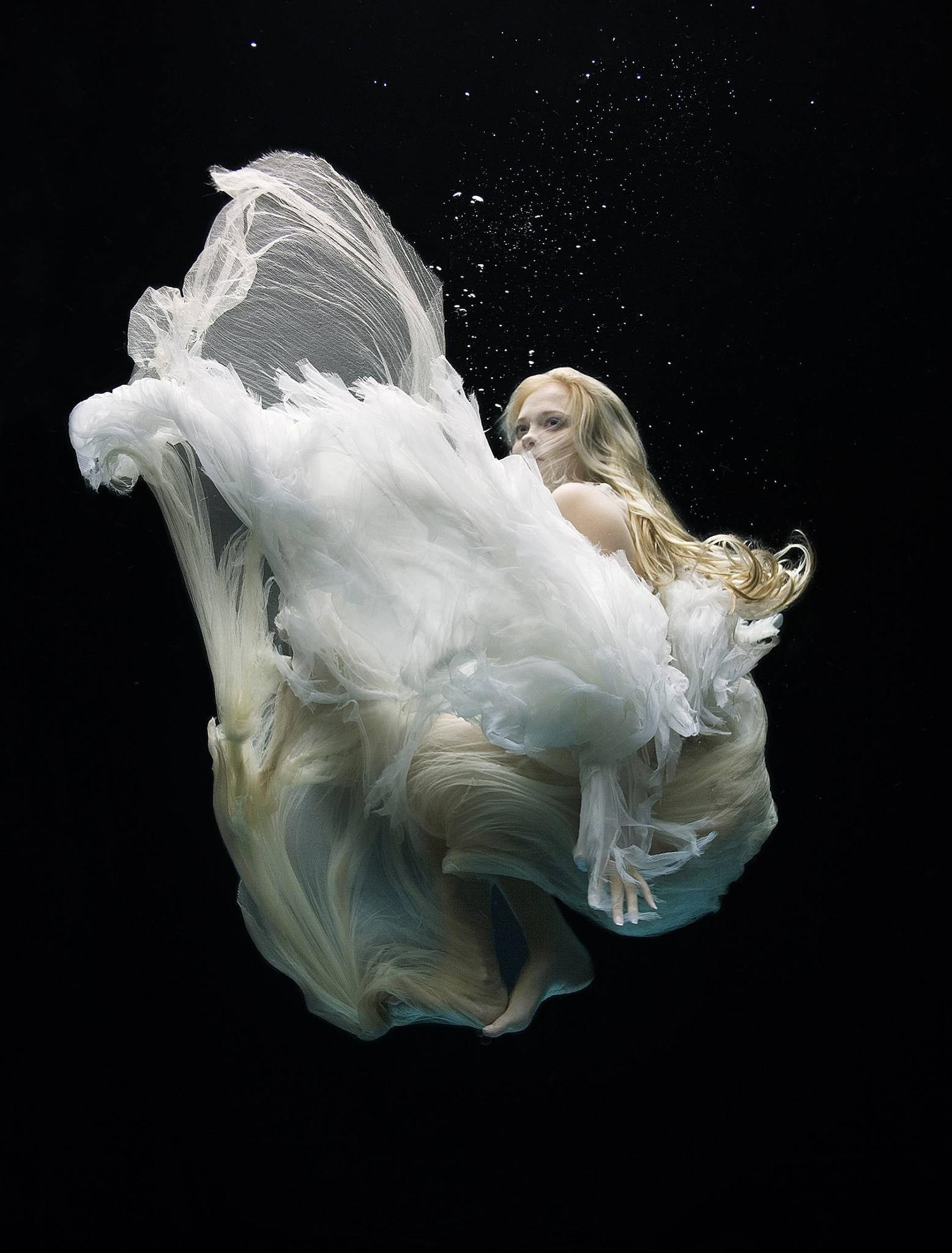 Angel 4 Zena Holloway