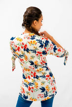 Load image into Gallery viewer, Flower Print 3/4 Sleeve Blouse