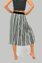 Load and play video in Gallery viewer, Black and White Striped Ribbed Skirt