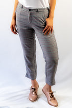 Load image into Gallery viewer, Grey Plaid Slim Fit Ankle Pants with Pockets