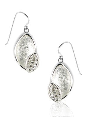 Leaf sparkly silver earrings
