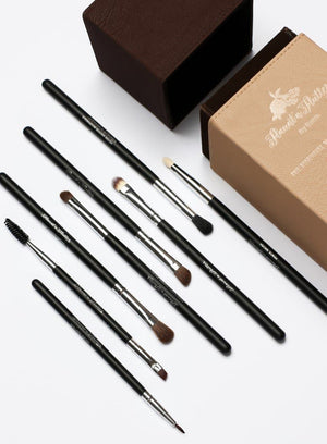 Flaunt'n'Flutter by Reem Essential Eye makeup Brush www.flauntnflutter.com
