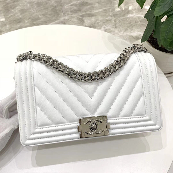 BOY CHANEL® HANDBAG Special V