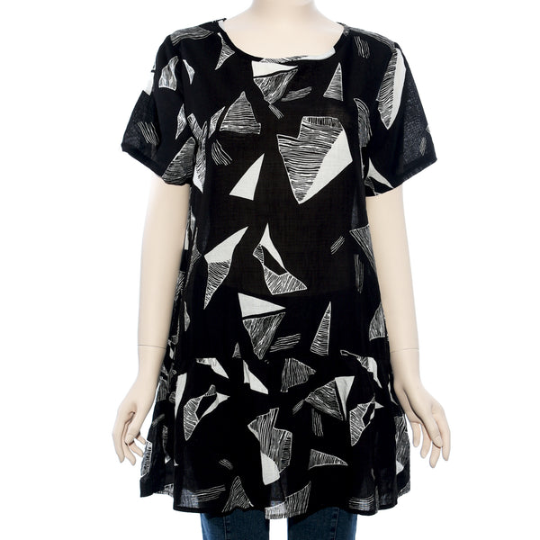 Patch Ladies Short Sleeve Black and Geometry Printed Top
