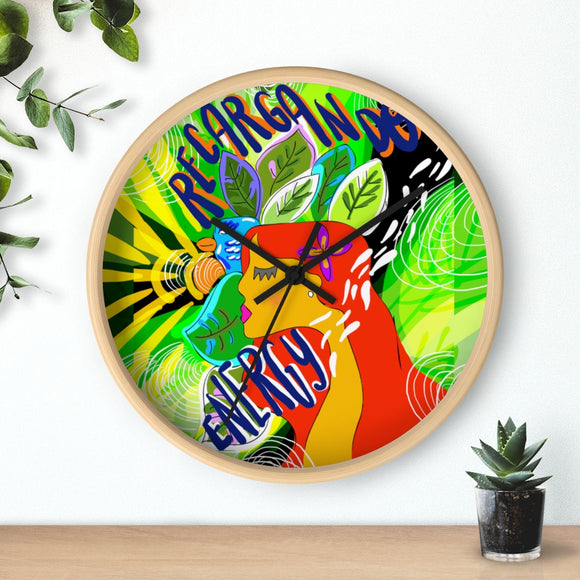 RECARGANDO ENERGY Wall clock