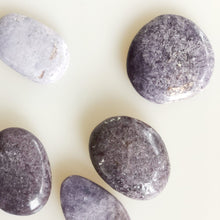 Load image into Gallery viewer, Lepidolite Palm Stone