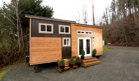 Tiny House Nation Everett House Built With Windfall Lumber Counters
