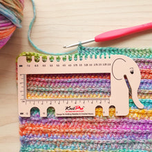 Load image into Gallery viewer, Knit Pro Peach Elephant Gauge with Yarn Cutter
