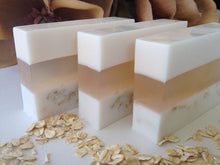 Load image into Gallery viewer, Oatmeal, honey and Goatmilk Yoni Beauty bar