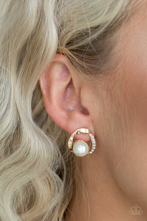 Stylishly Suave Gold Post Earring