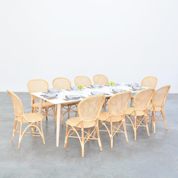 casa table with cassis chairs