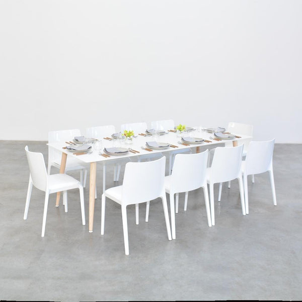 casa table with white whitney chairs