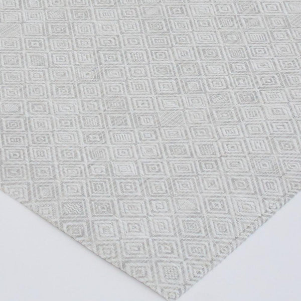 detail of chilewich mosaic gray floor mat