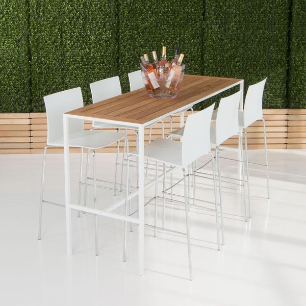 Coast Runner Table with white stools