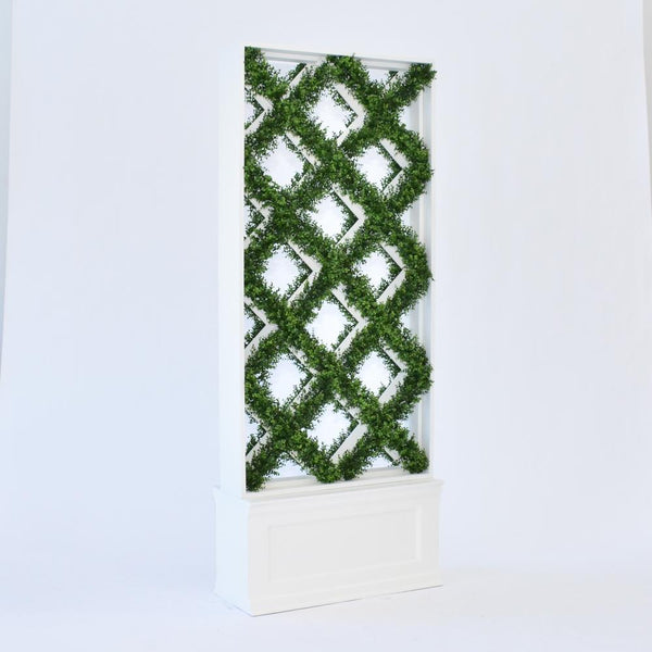 faux lattice hedge with base