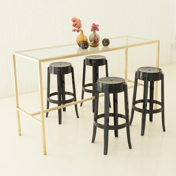 Maxwell Runner table with black barstools