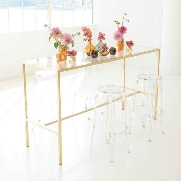 Maxwell Runner table with flowers