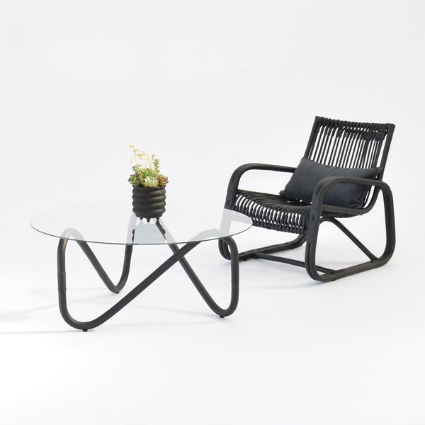 wave coffee table black with curve chair