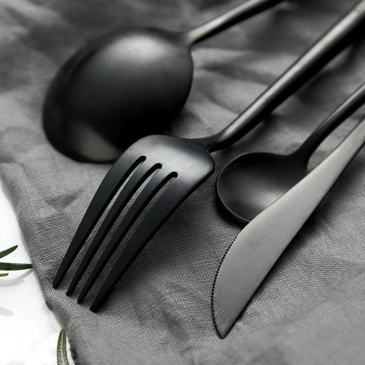 The Felix Flatware Set
