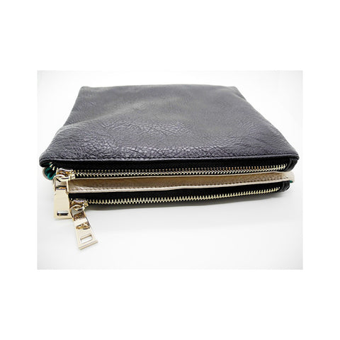 Evie Clutch In Black Metallic