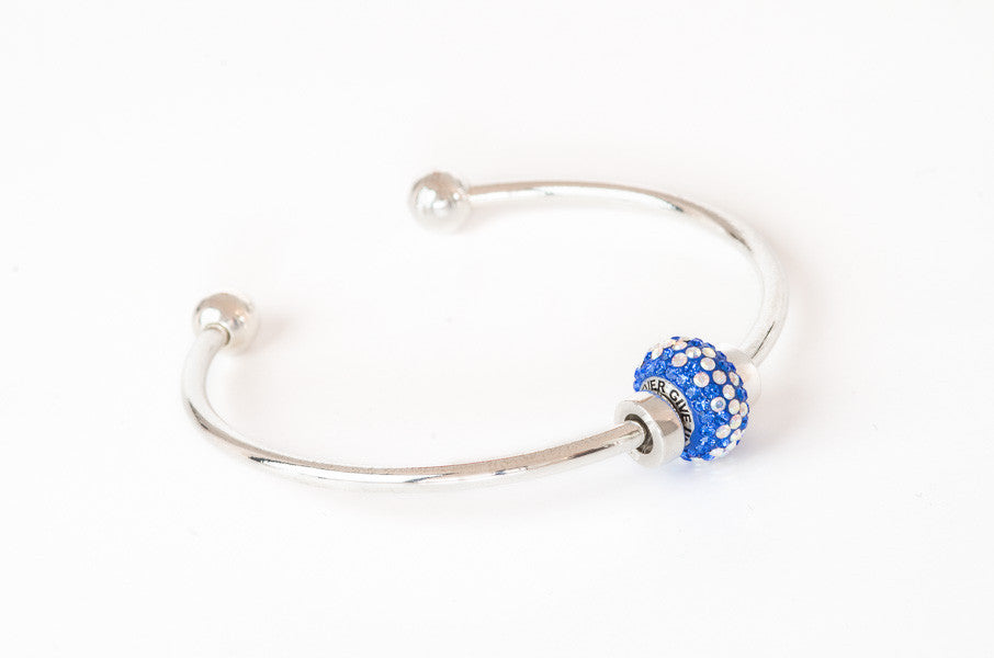 Copy of Never Give Up bead on silver bangle bracelet