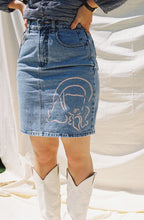 Load image into Gallery viewer, Vintage denim skirt