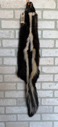 Tanned Skunk Pelt, wide defined stripes, well furred, weak belly(sk4-19w)