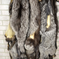 Beautiful Silver Fox with Damage, fur, pelt, hide (Sildmg)