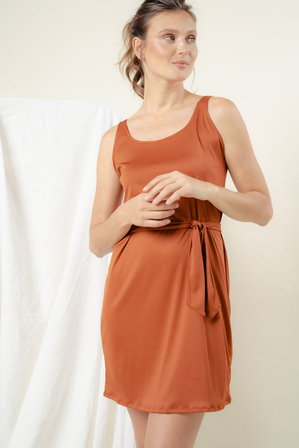 Callie Scoop Midi Dress (RUST)