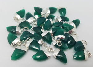10 x 15mm Green Onyx Horn Pendants w/Silver Plating