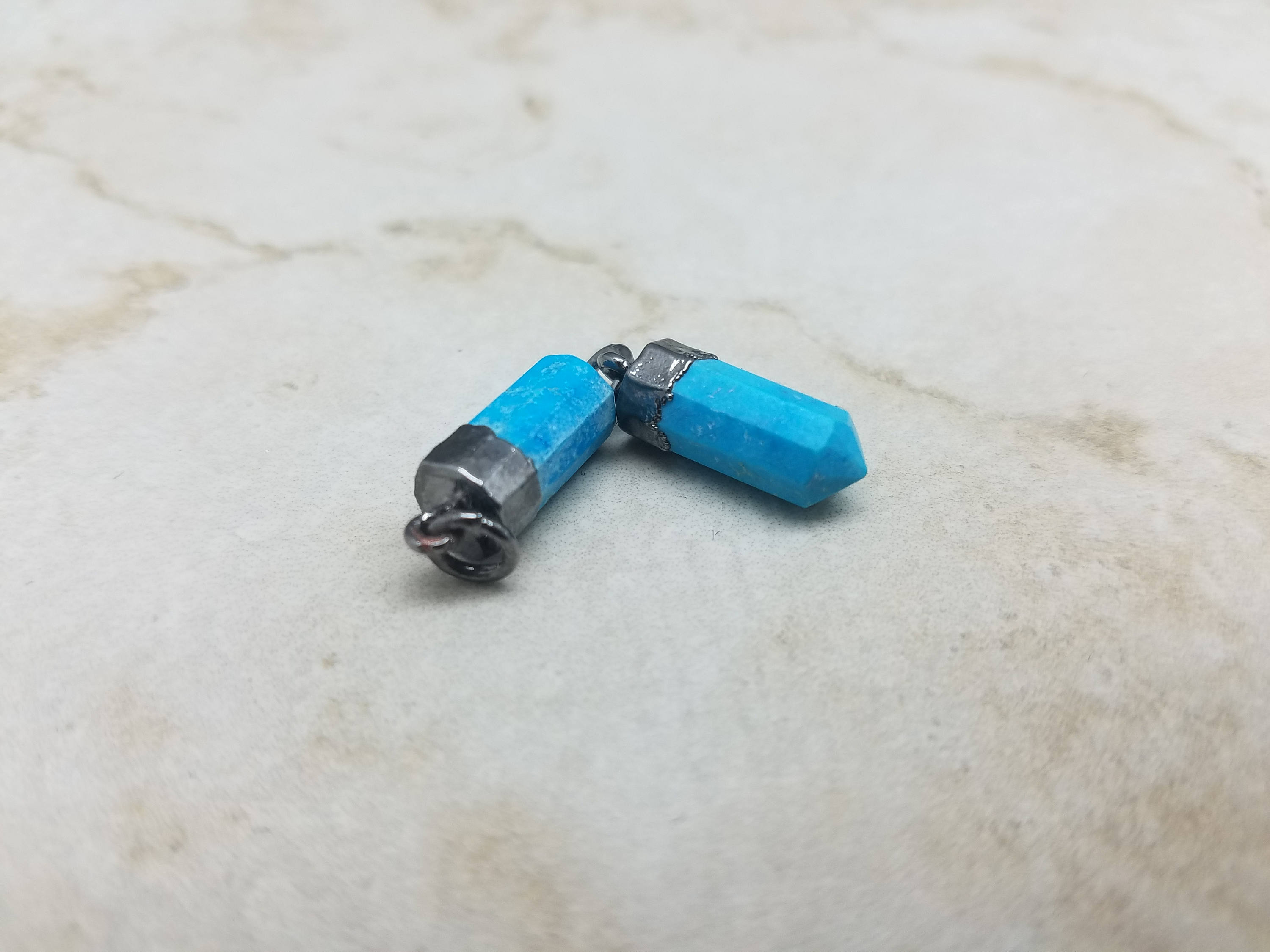 Turquoise Howlite Point Pendant w/Black Rhodium Plating, 15mm