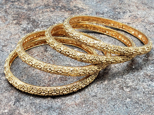 Set of 4 bangles, Gold Bangles with Floral Leaf Design, Size 2.6