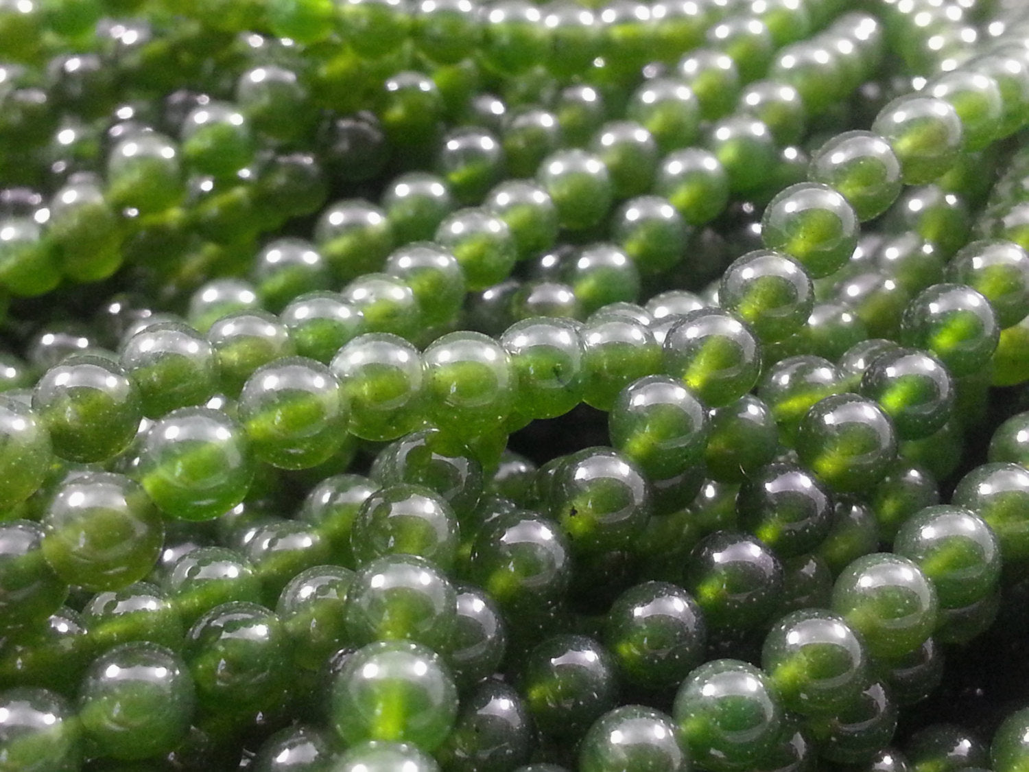4mm Jade Polished Round Beads, 16 inch