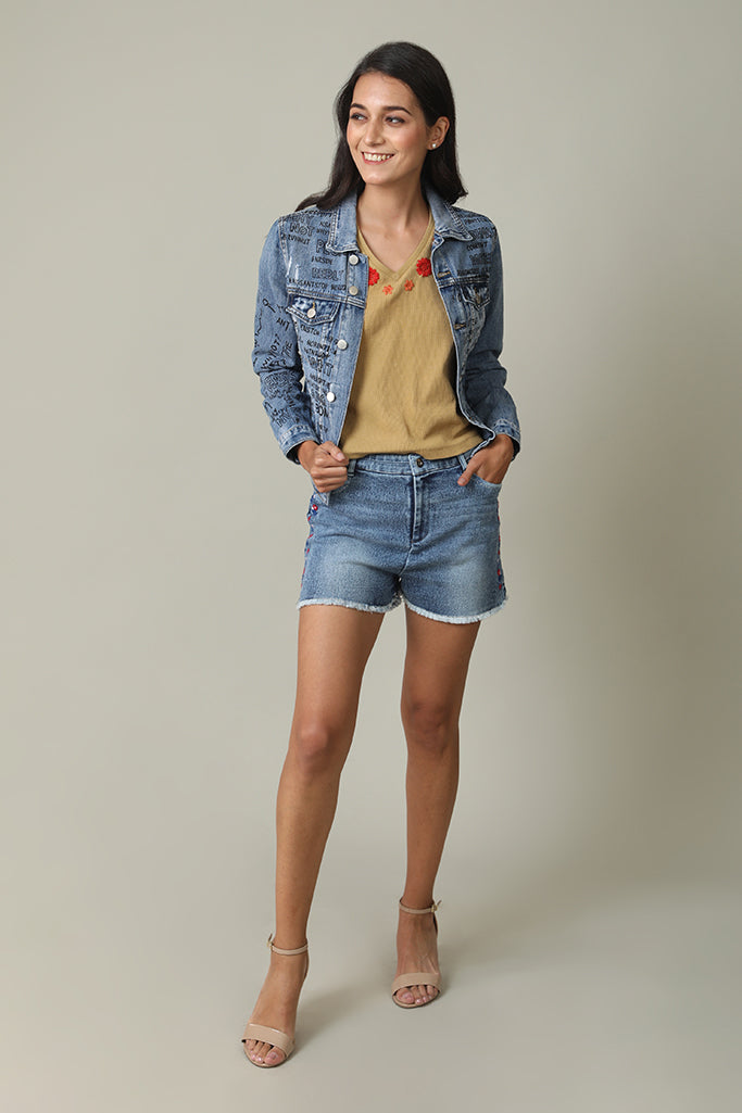 Cut short denim shorts