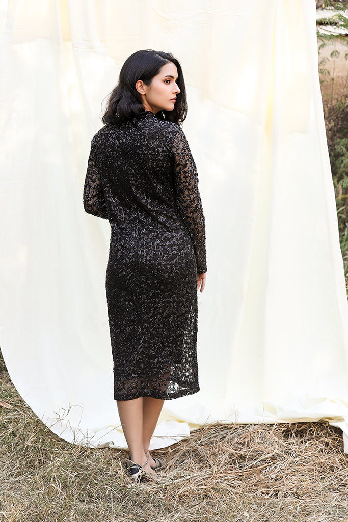 Voguish Sequined Netted Pencil Dress