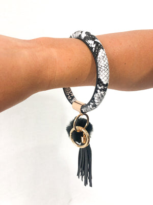 Load image into Gallery viewer, Snake Bangle Key Chain