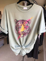 Lightening Tiger Tee - Moss