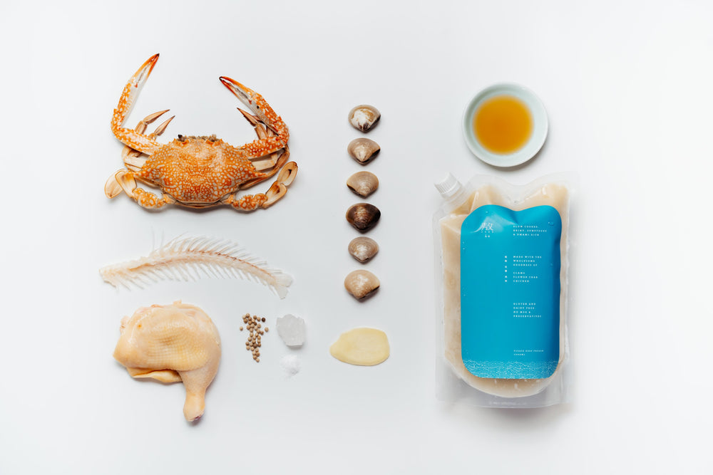 Load image into Gallery viewer, Áo Clam & Flower Crab Broth - 1 Litre