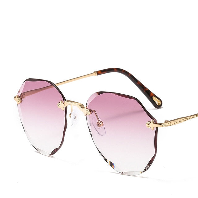 Edgy Round Women's Sunglasses