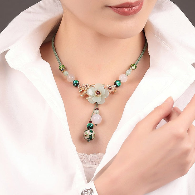 Flower Stone Pendant Necklace