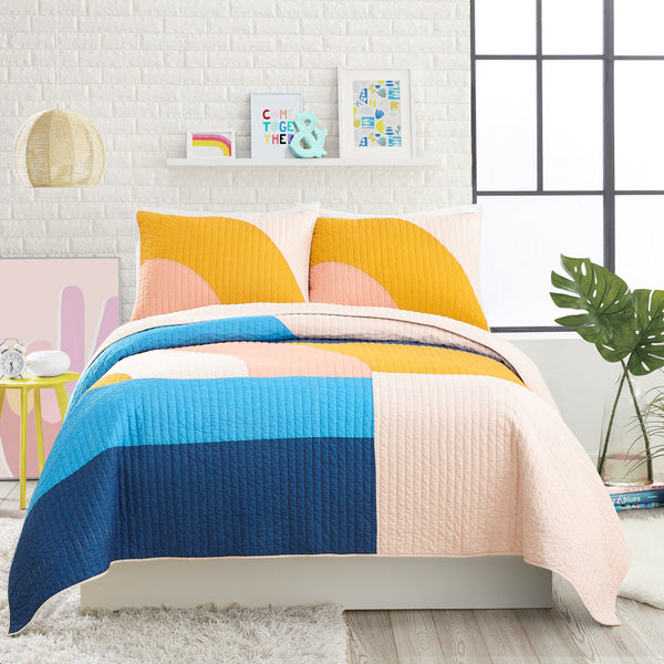 Mod Shapes Quilt Set (Dark Pink)