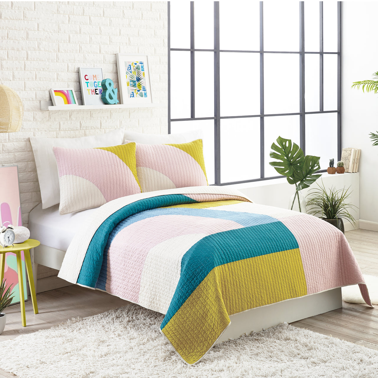 Modshapes Quilt Set